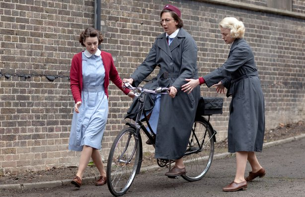 Chummy learns to ride a bike in Call the Midwife