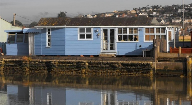 DI Alec Hardy's Broadchurch chalet up for sale