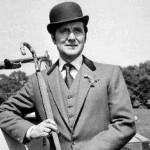 The Avengers' Patrick Macnee dies at 93.