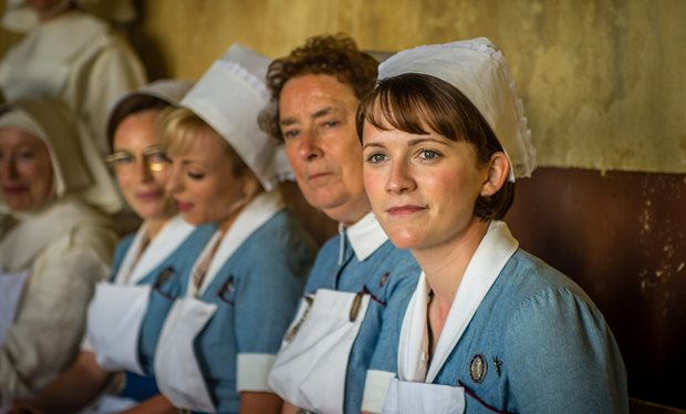 from_snowy_streets_to_baking_sun_in_the_first_call_the_midwife_christmas_special_trailer