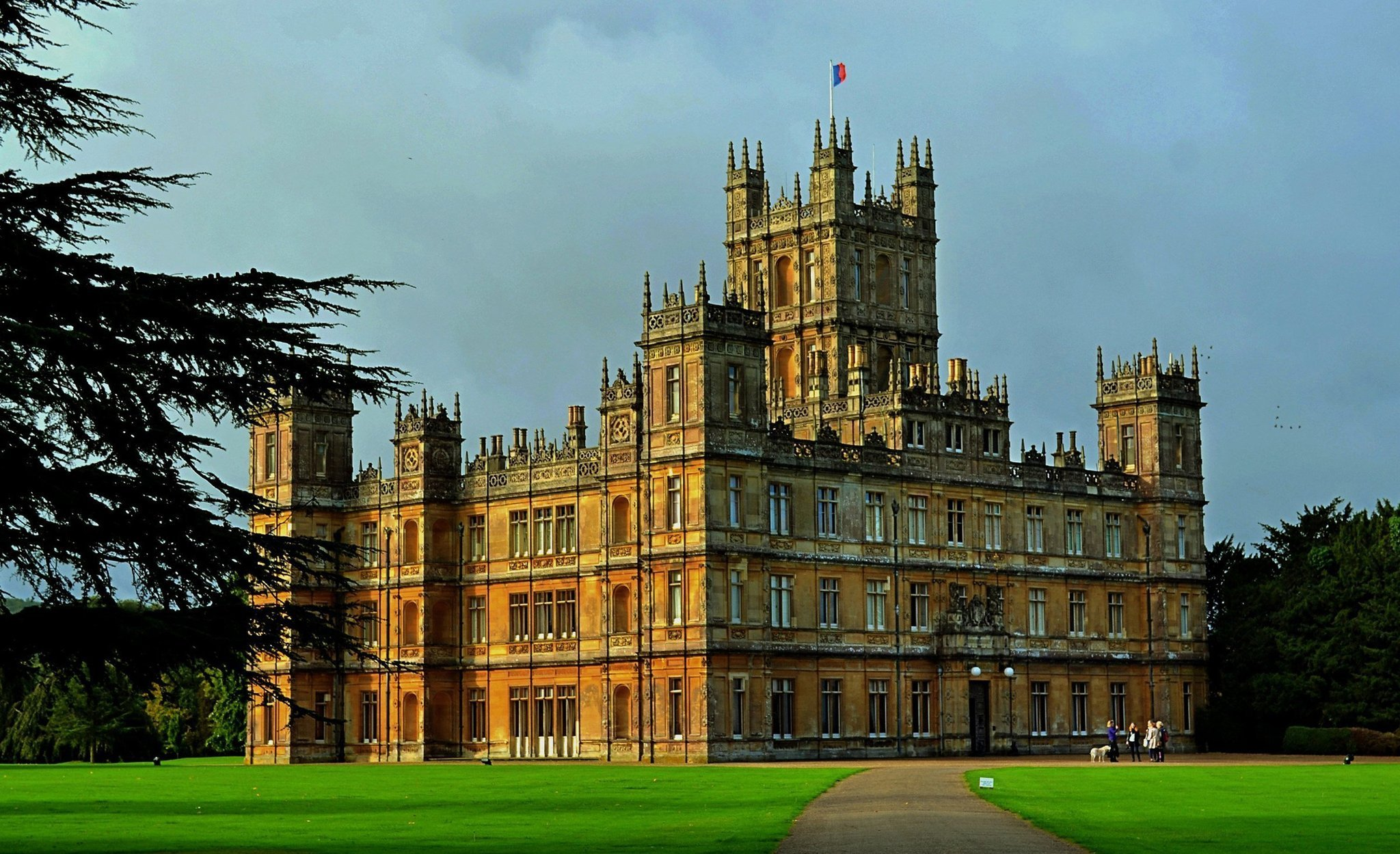 & Could u0027Downton Abbeyu0027 open its doors once again? | Tellyspotting