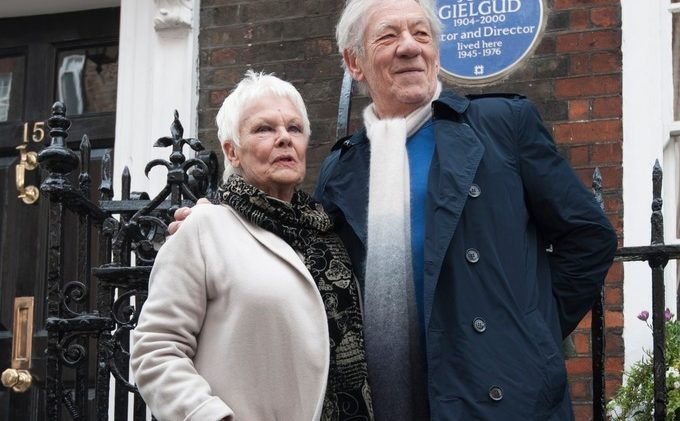 A Dame and a Sir unveil tribute to Sir John Gielgud