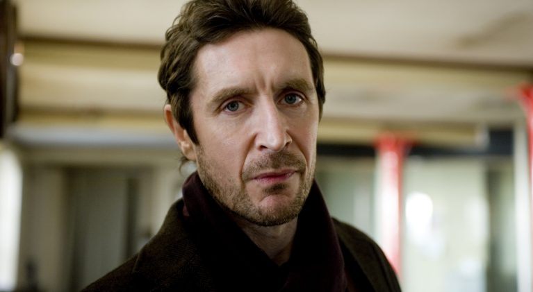 Former Doctor, Paul McGann, promoted to surgeon on 'Holby City'