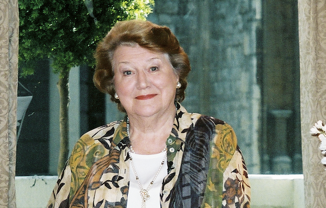 Happy belated 90th, Dame Patricia Routledge!