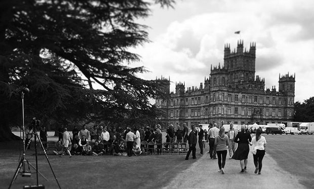 The_last_days_of_Downton__cast_and_crew_share_snaps_as_the_Abbey_closes_its_doors_for_good