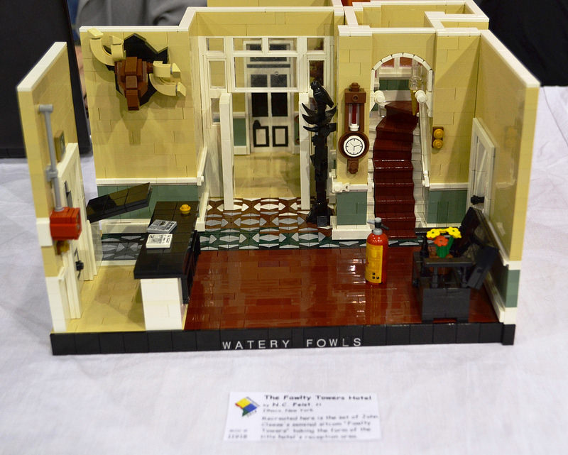 fawlty-towers-lego-4