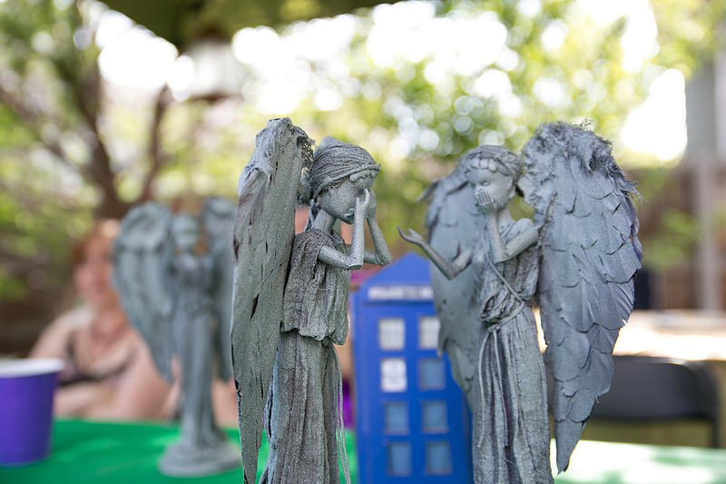 Weeping-Angel-Barbies