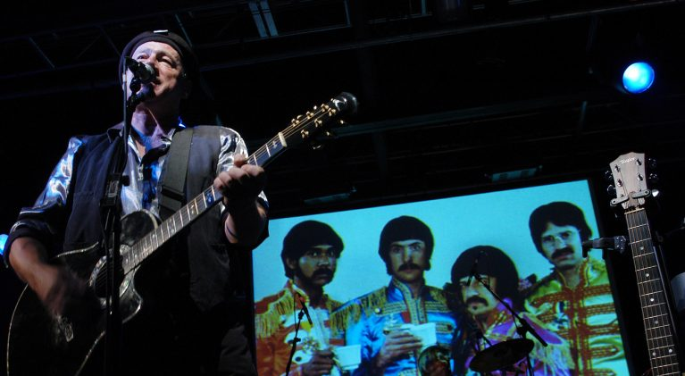 Neil Innes of Bonzo Dog Doo-Dah Band/Rutles/Monty Python fame dies at 75
