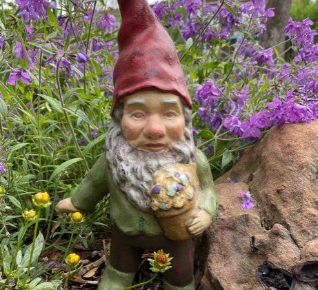 Breaking News: Gnome shortage engulfs U.K.!