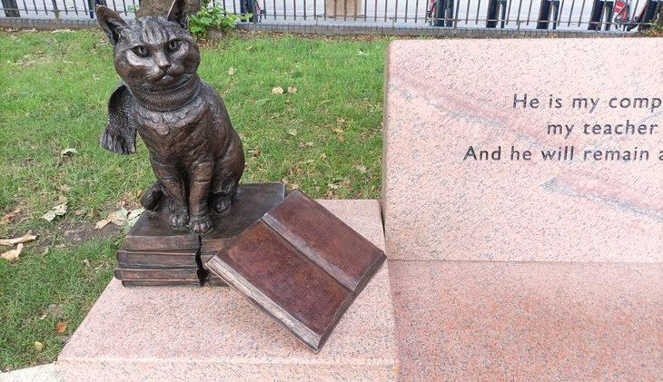 'Bob' immortalized with statue in Islington Green